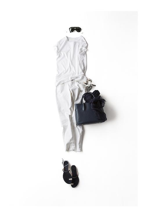 """"""" 白 """" をシンプルに着る"""