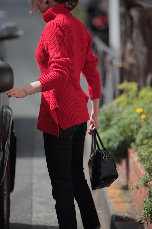 華やかな赤をかっこよく着たい気分2