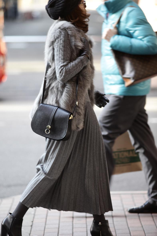 今着たいグレートーンのスカートスタイル2