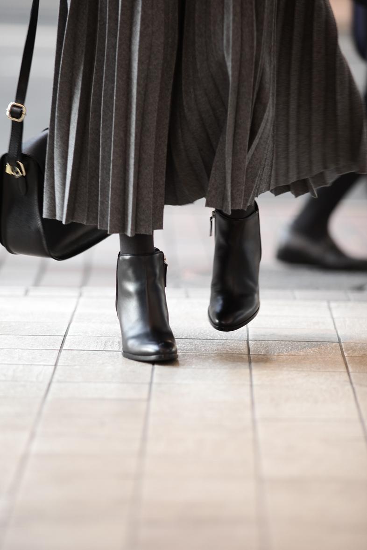 今着たいグレートーンのスカートスタイル6