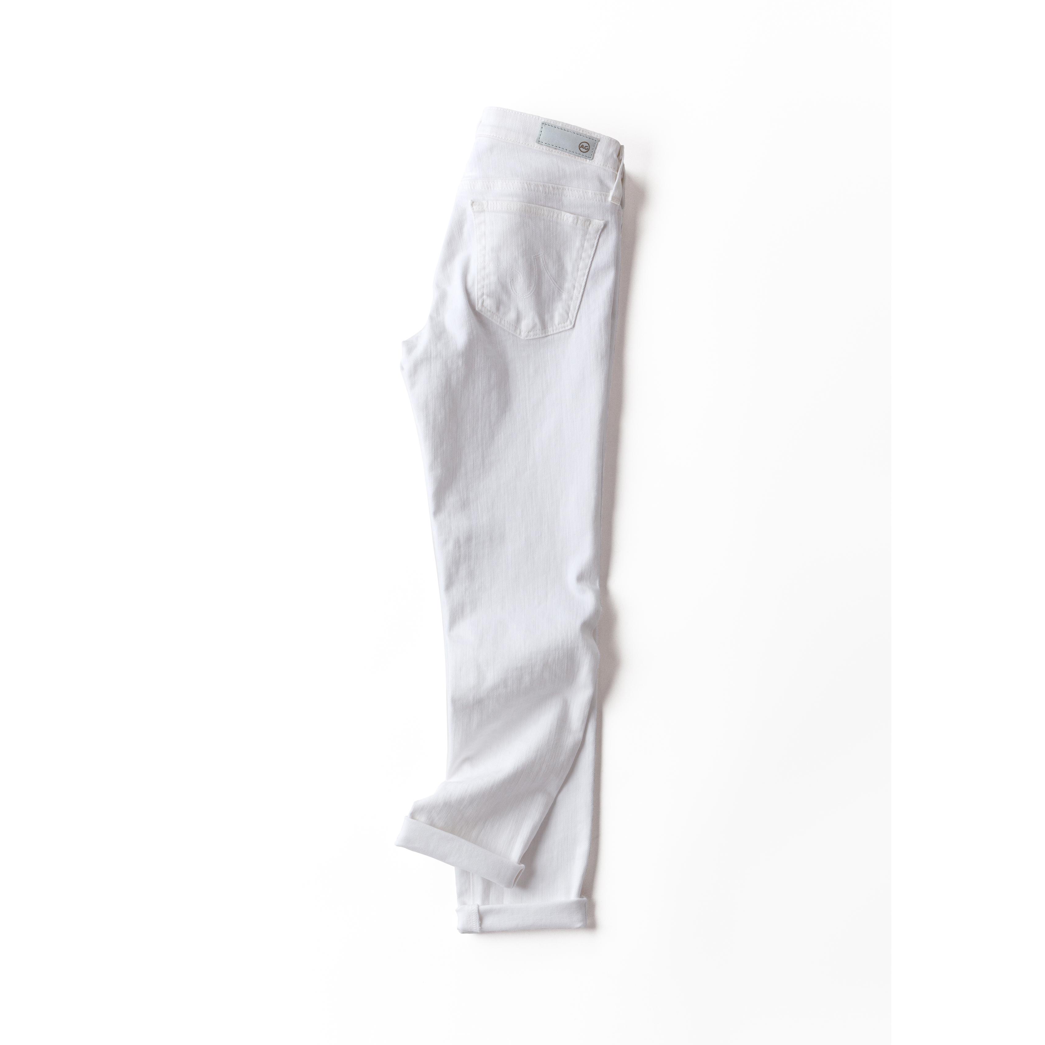 カプリ丈が便利なホワイトデニム