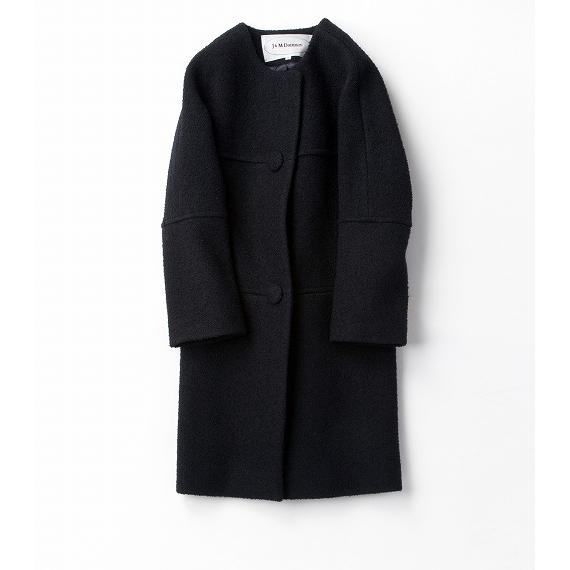 レトロなブラックコート