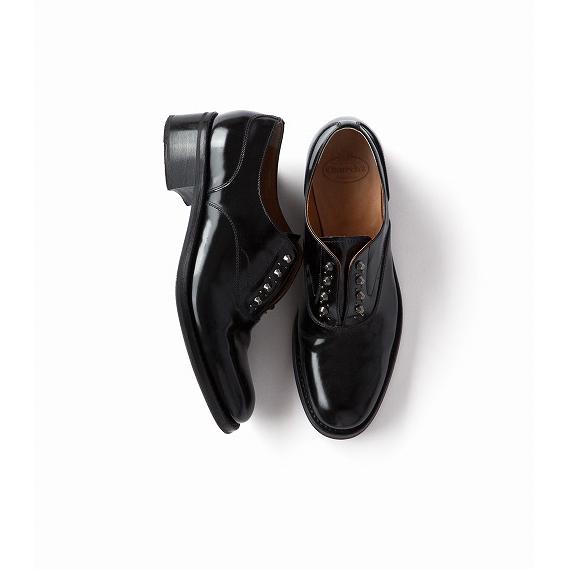 今年気分のロック&エレガンスな靴