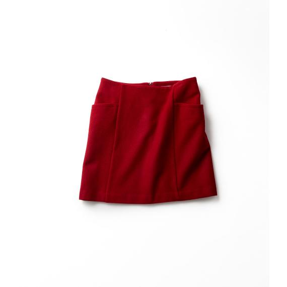 味のある〝ヴィンテージレッド〟のスカート