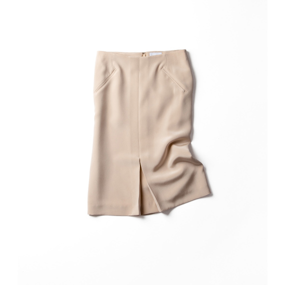 女っぽい。ラフ。どちらも叶えるスカート