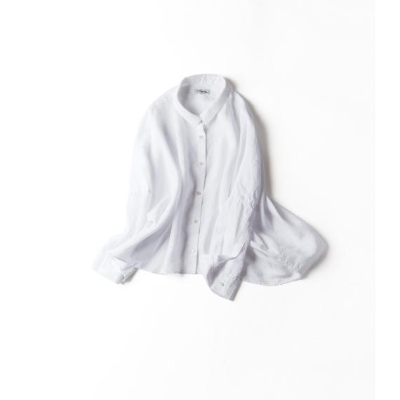 裾のドレープが魅力的