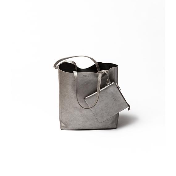 ユニセックスなムードのバッグ