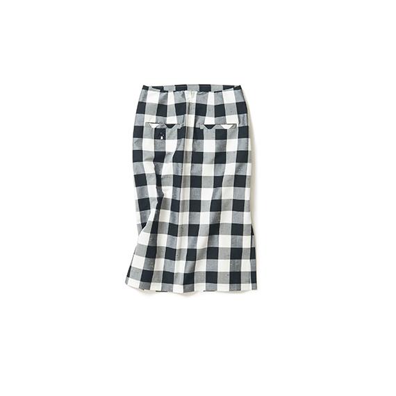 絶妙なデザインのタイトスカート