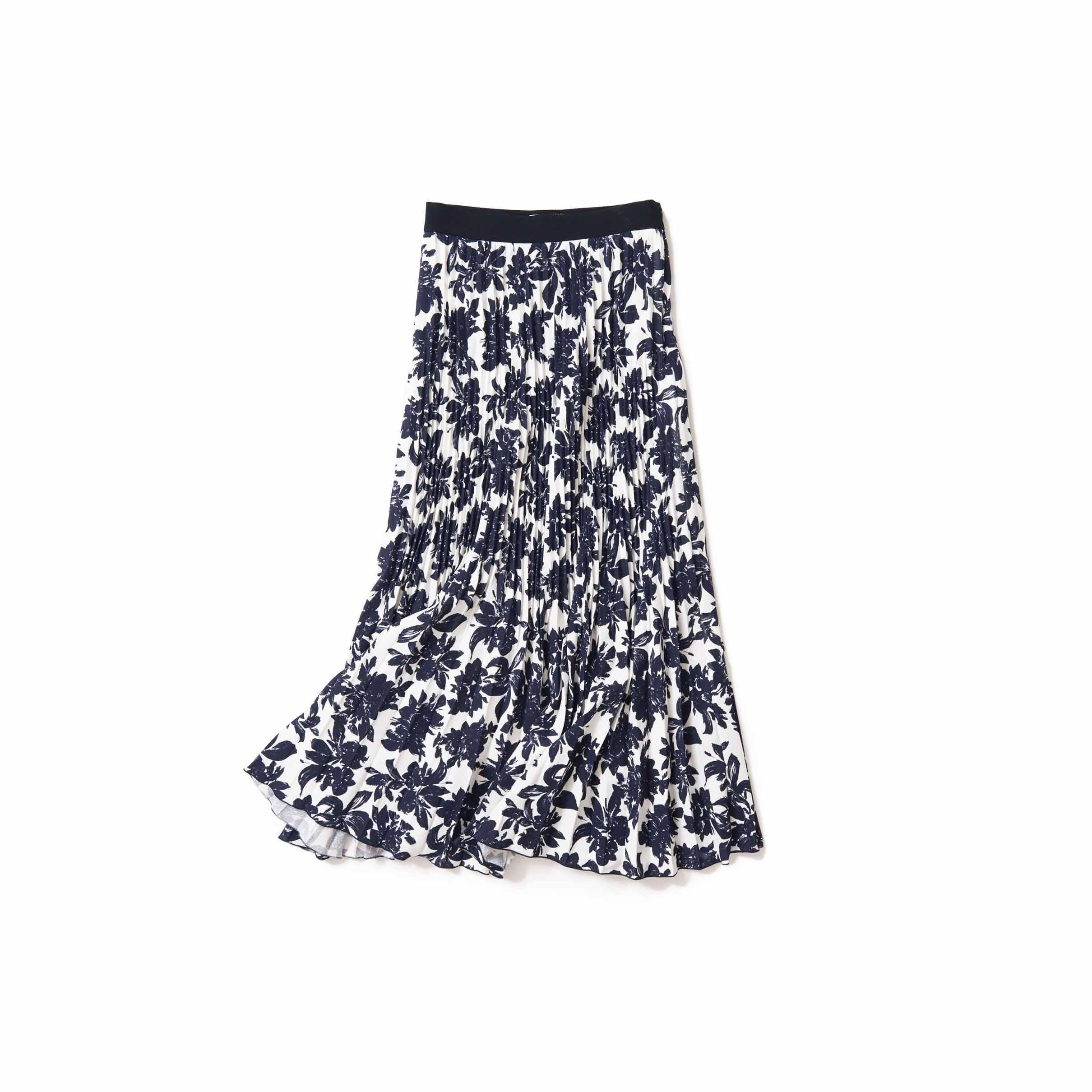 大人らしい雰囲気の花柄スカート