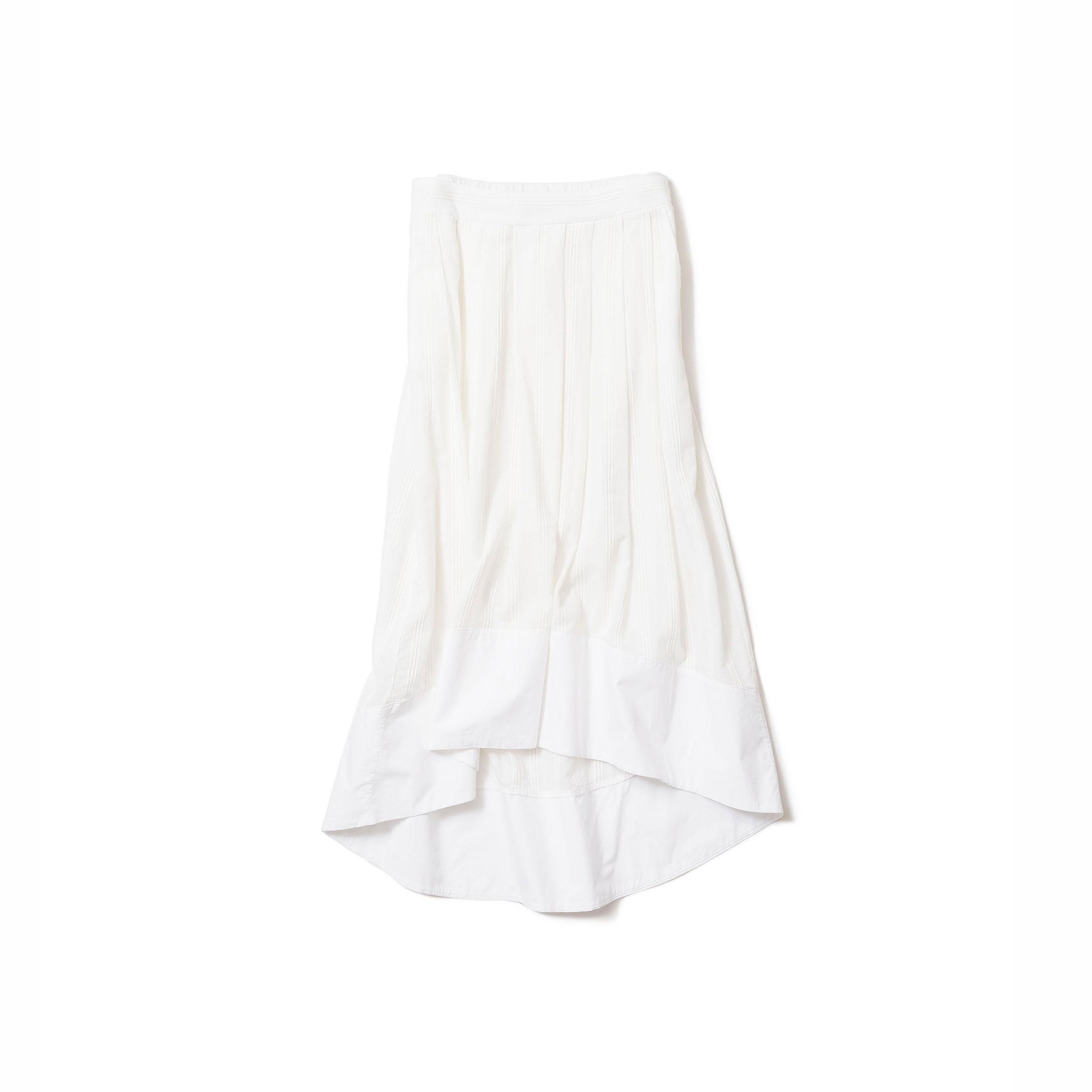 白いスカート